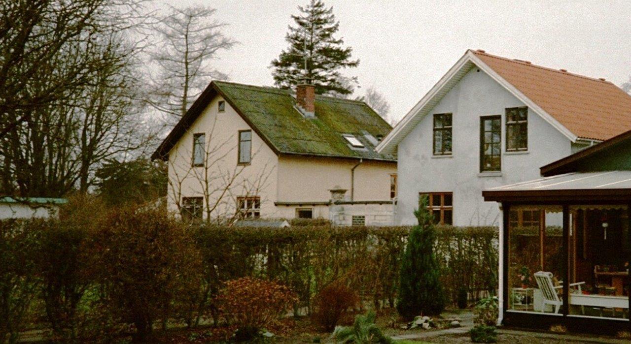 """To """"ens Huse"""" På Engvej I Dragør"""